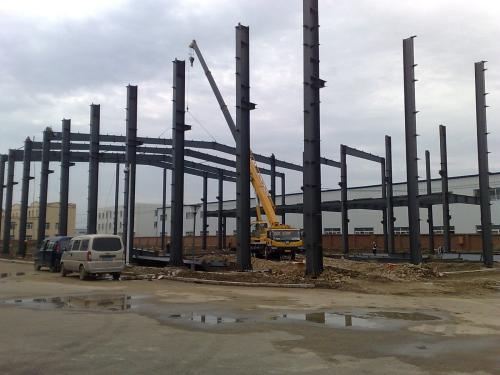 大型钢结构施工技术三个难点分析